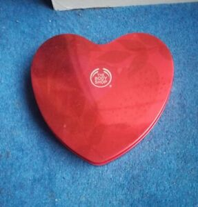 The Body Shop Strawberry Heart Gift Set - New 2020