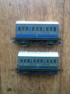 2 HORNBY MODEL RAILWAYS OO GAUGE BLUE LIVERY 4 WHEEL COACHES: BRANCH LINE.