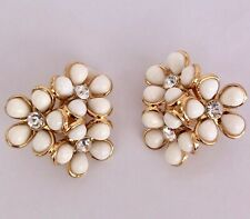BN Juicy Couture Ditsy Daisy Cluster White Gold Tone Clip On Earrings