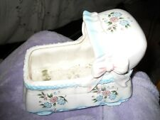 Ceramic baby bassinette planter in excellent condition