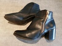 Topway size 5 (38) black faux leather side zip block heel ankle boots