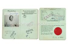 FILM ACTOR & LEGEND JOHN WAYNE SIGNED (PRINTED) PASSPORT EXCLUSIVE A4 PRINT