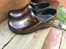 Dansko Women's Brown Patent Leather Professional Work Clogs Shoes Size 38 7.5/8