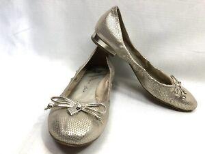 ANNE KLEIN Womens Iflex Akpetrica Gold Ballet Flat Shoes - Size 6.5