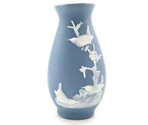 Jasperware White on Blue Three  Little Birds on Branch Bud Vase