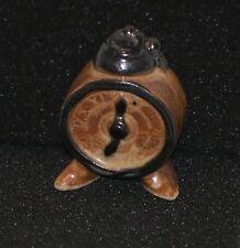 Wecker auf Füssen Figur etwa 40 mm hoch