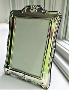 """VINTAGE 8"""" STERLING SILVER PICTURE FRAME ORNATE REPOUSSE ENGLAND SHELL EASEL"""
