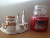 YANKEE CANDLE MEDIUM JAR CHRISTMAS EVE WITH JACKSON FROST CANDLE HOLDER