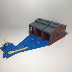 Thomas the Train Trackmaster - TOMY - 3 Way Switch, Tracks, 3 Sheds