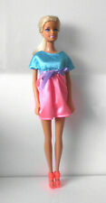 °° Barbie - Mattel - 2010 (Kopf 1998) - Puppe + Kleidung °°