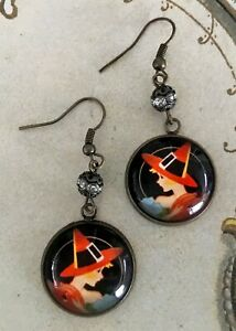 LIL WITCH w/JOL Picture GLASS DOME Dangle EARRINGS Vintage Halloween Tally Card