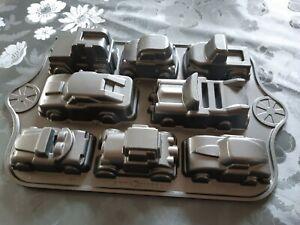 Nordic Ware USA Backform Aluguss 8 Autos Car Truck Kindergeburtstag Geschenk TOP