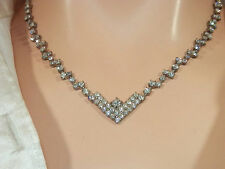 XXX Pretty Vintage 1970s Rhinestone Necklace  48B