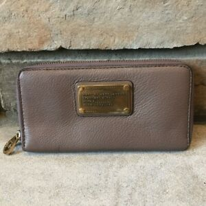 Marc By Marc Jacobs Taupe Zipper Wallet