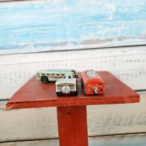 Mattel Hot Wheel Steel Bullet Train 2 Waggons Red/Silver Count 3 Toy USA Seller