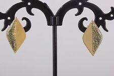 Design Earrings Fashion 4052B Diamond Shape Goldtone Glitter