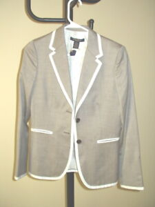 NWT ($698) Brooks Brothers Wool and Silk Suit WITH PANTS & Blazer Size 2