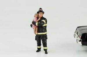 Fire Brigade Man With Child Rescue Figurine 1:18 American Diorama