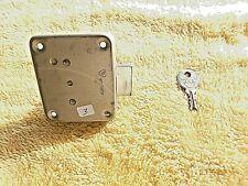 Serrure/verrou Vachette vintage en métal-pour meuble et porte