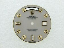 Dial with 8 + 2 Diamonds Dial Rolex Mens Day-Date White Mop Mother Of Pearl