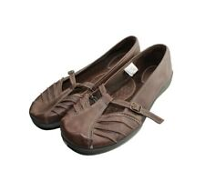 Women's brown Flat Shoes. Size 9