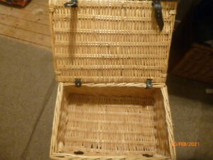 LOVELY : Retro Wicker Case * Picnic Hamper :  Storage * WITH 2 LEATHER STRAPS !!