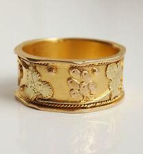 Stunning Antique Victorian 18ct Gold Grape & Vine Motif Wedding Ring c1900