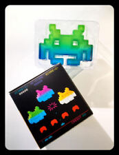 LOOT CRATE SPACE INVADERS MINI ALIEN VINYL FIGURE LIMITED EDITION PURPLE/BLUE