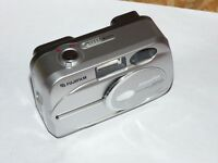 Fujifilm 2600 Zoom 2.0MP - Digital Camara - Plateado