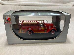 1928 Brooks REO Fire Truck Signature Models 32308 1/32 Scale Die-cast Model Car