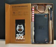 HARLEY-DAVIDSON 105 YEARS COLLECTOR SET W. WALLET, BRACELET, FLAGS KEY CHAIN