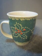 OVERSIZED GREEN HOLLY AND BERRIES COFEE MUG 12 OZ