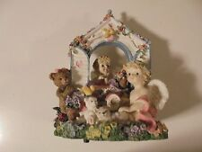 Classic Treasures Musical Box Garden Cherubs Figurine Angels The Look Of Love
