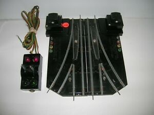 """AMERICAN FLYER """" AUTOMATIC PAIR OF S SCALE SWITCHES W/ CONTROLLER """" LOT # 21286"""