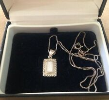 PRETTY VINTAGE STERLING SILVER NECKLACE WITH MOP ? INSET - ITALIAN CHAIN