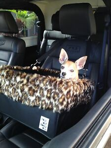 """Large Black Dog Car Booster Seat (""""Leopard"""" lining) - Dogs Out Doing"""