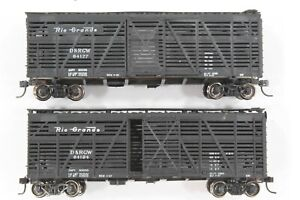 HO Two Athearn Rio Grande (DRGW) 40ft Stock Cars Diff #s Raised Letter Mtl Whls
