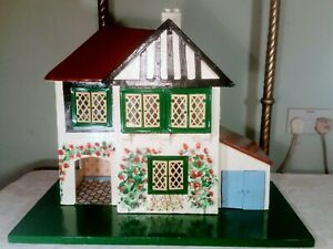 Vintage Dolls House Very Similar To A Triang No 60 With A Garage Gently Restored