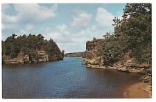 JAWS of the DELLS Boat In High Rock Romance Cliff Upper WISCONSIN Postcard WI