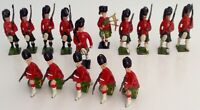 BRITAINS/JOHN HILL & Co - 15 x SCOTS GUARDS (5 KNEELING, 9 MARCHING AND 1 PIPER)