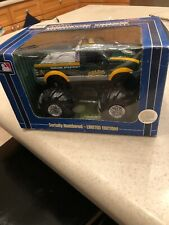 Fleer Limited Edition MLB Ford F-350 Monster Truck Oakland A's 1:32 Scale New