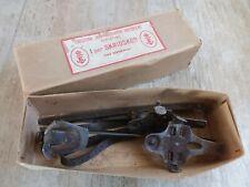 Anciens Patins à Glace/marque Suedoise a ESKILSTUNA manufacture de patins