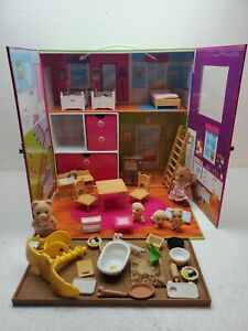 Calico Critters Carry & Play House w/ accessories