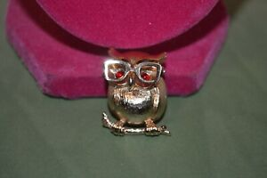 """Sarah Coventry Gold tone Wise Owl Pin Moveable Glasses 1.125"""" length 4-5 FREE SH"""