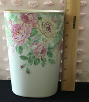 OTAGIRI Floral Vase - English Rose Pattern with Gold Rim - Made in Japan