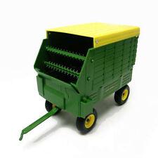 John Deere 1:16 Forage Wagon