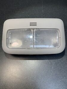 2007-2012 TOYOTA YARIS COROLLA FRONT INTERIOR ROOF DOME LAMP OEM 182423