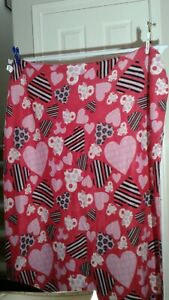 Pink & Red Throw W/ Hearts 50×60 inches