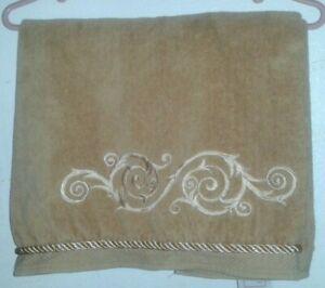 The Avanti Look Ornate Scroll Design Catherine?Gold Rope Border Super Soft Cloth