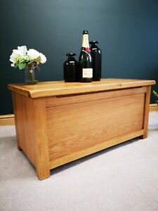 Baysdale Storage Coffee Table / Blanket Box / End Of Bed Trunk / Bedroom Chest